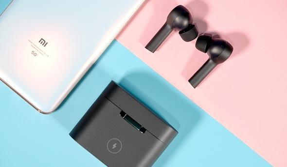 小米Air2Pro藍牙耳機圖賞:采用磨砂質感材質
