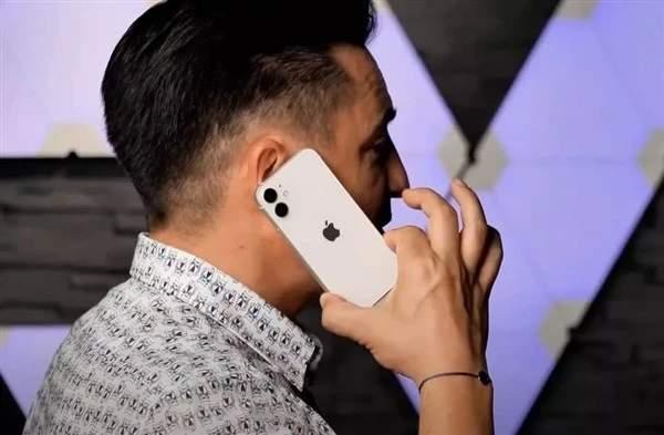 iphone12mini真機上手視頻:與iPhone12