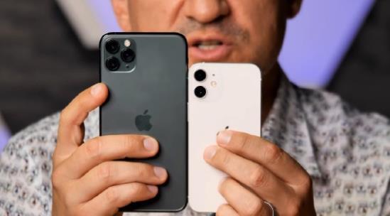 "iphone12mini真机上手视频:与iPhone12""身高差""明显"