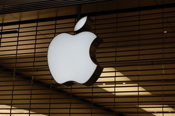 苹果公司汽车专利曝光,光无线通信系统辅助自动驾驶