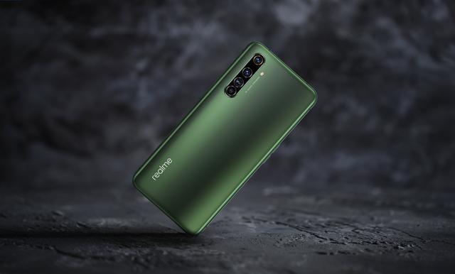 RealmeX50Pro降价至3299元,值得购买吗?