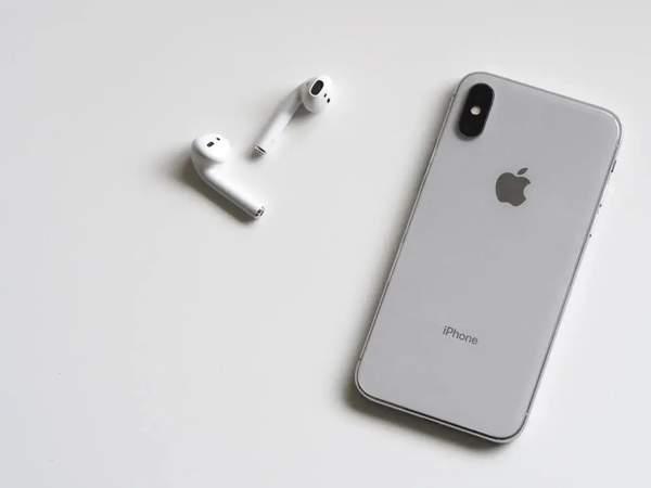iPhone12推迟发布或避免与华为Mate40硬刚?