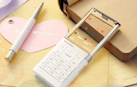 除了小米透明电视外,联想透明屏幕手机见过吗?