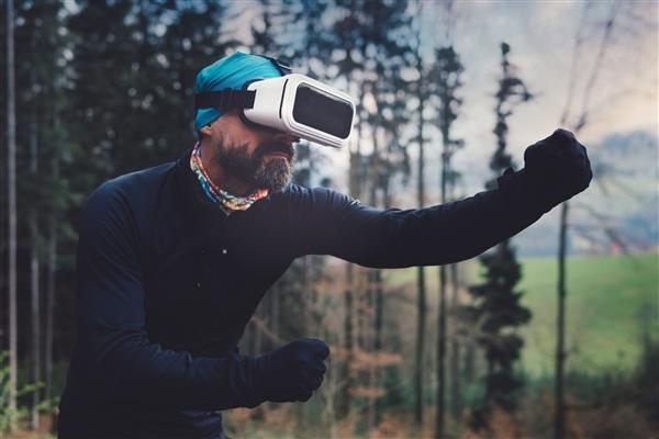 索尼自爆,PS VR正在开发中