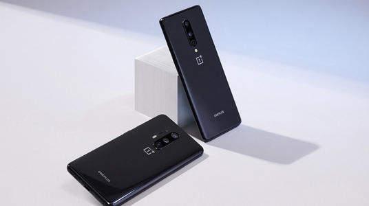 一加8Pro:获年度EISA最佳手机
