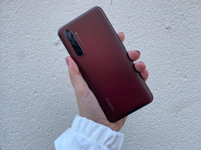 黑鲨3pro和红魔5g哪个手机更好?参数配置对比分析