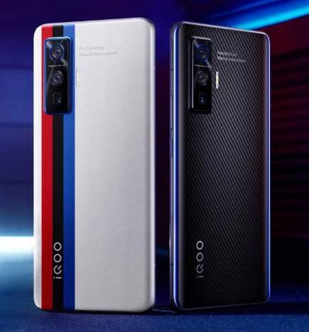 iqoo 5 pro评测:高性价旗舰机,颜值与性能并存