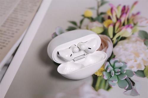 华为FreeBuds无线耳机什么时候出新款?或与Mate40同时发布!