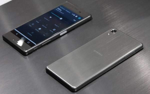 索尼xperia新机曝光:采用左右双挖孔设计
