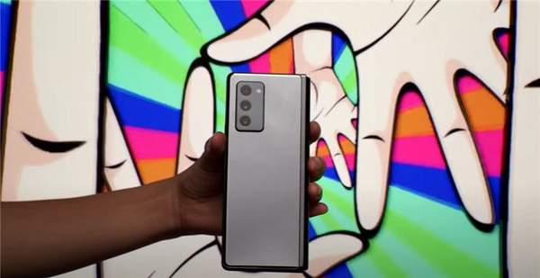 三星Galaxy Z Fold 2真机评测,价格会真香吗?