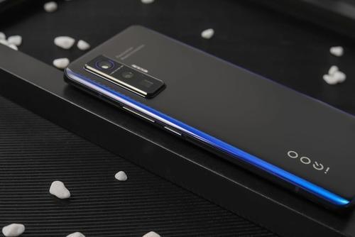 iqoo5系列处理器是什么?跑分怎么样?
