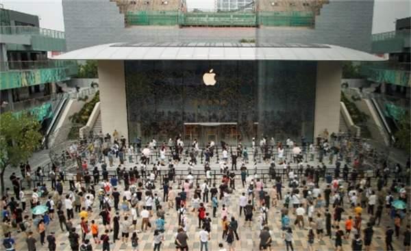 全球最大智能手机厂商易主,华为如何打败三星苹果夺冠?
