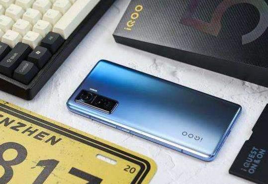 iQOO5手机评测:真机音质体验怎么样?