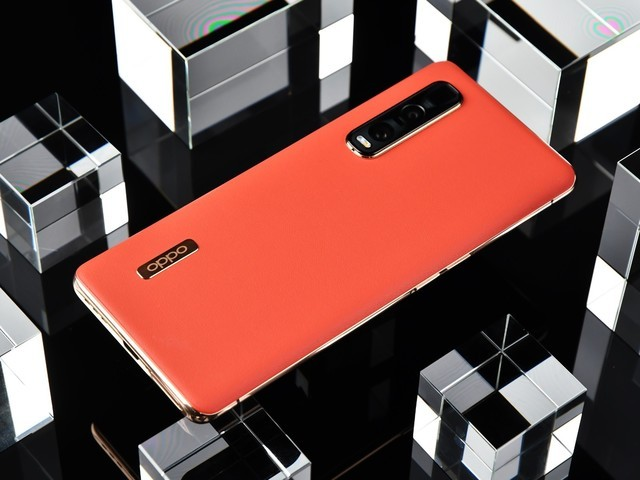 "OPPO Find X2 Pro获赞""2020最优秀的安卓旗舰手机"""