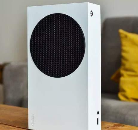 Xbox Series S机模曝光:体积较小,价格便宜