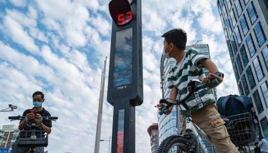智能交通系统已上线,可语音警告面部抓拍!
