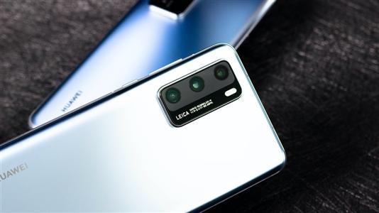 華為手機兩個月漲價620元,華為手機漲價你還買嗎?
