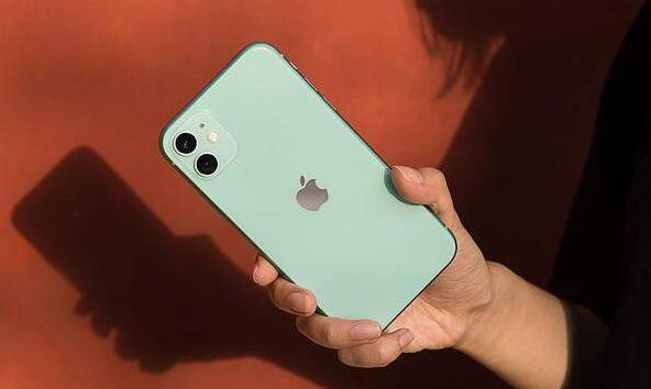 iPhone11成上半年最畅销手机,网友:凭啥?