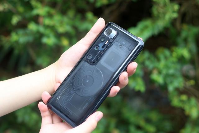 最新手机拍照排行榜,值得入手的四款拍照手机推荐