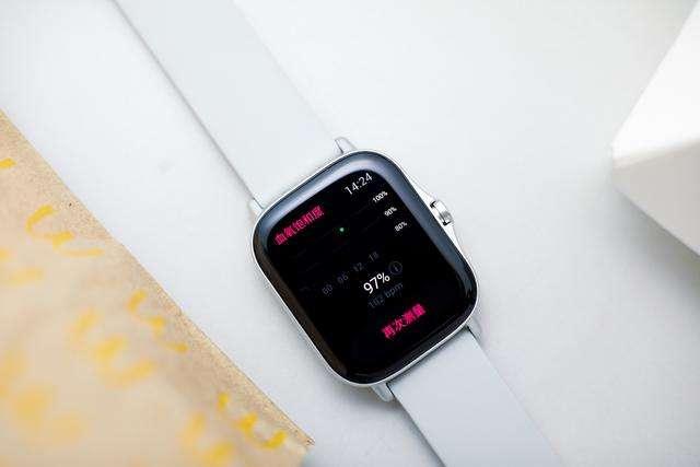 新款Apple Watch被移除5W充电器,这到底是什么原因呢?