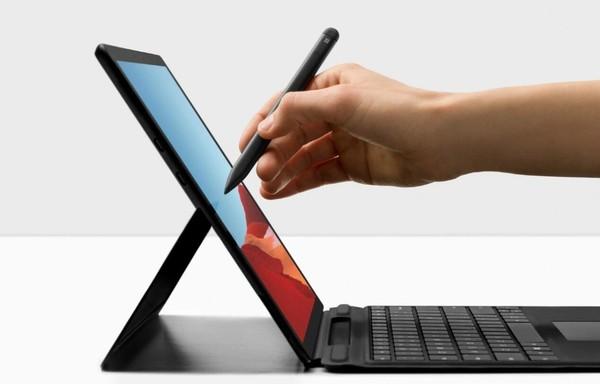 微软SurfacePro 8跳票,将推迟到明年发布