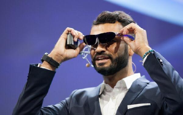 TCL概念智能眼镜曝光,使用轻巧堪比墨镜