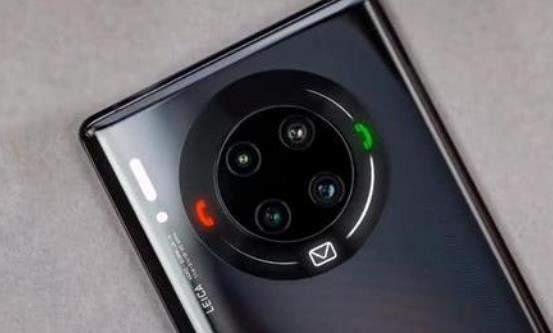 华为Mate40系列手机外观曝光:都是曲面屏,pro版有双扬声器