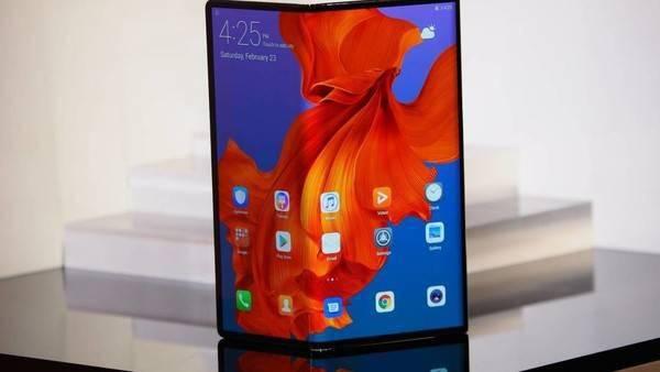 三星Fold S采用大屏幕设计,或支持双向折叠