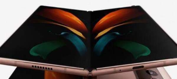 三星Galaxy Z Fold2外观评测:内外双屏+魅力五摄