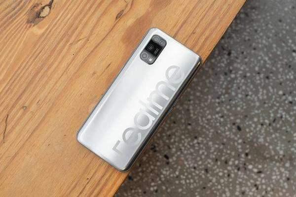 realmev3和v5哪个好?手机参数对比怎么样?